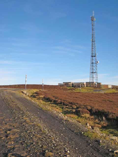 Radio mast on Collier Law, Crawleyside