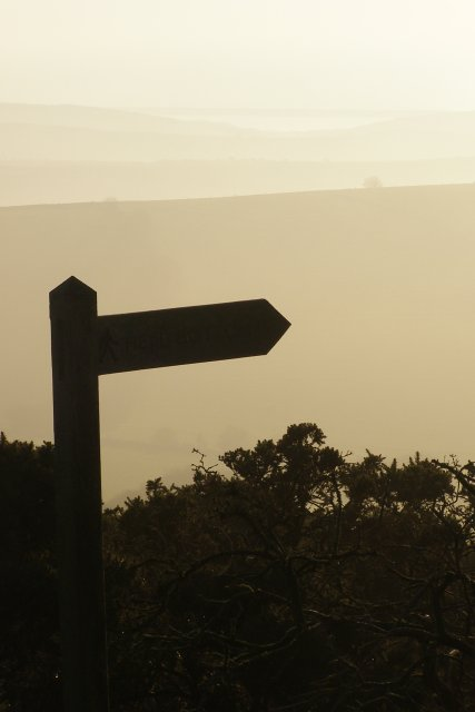 Signpost for Hell Bottom, Bronkham Hill