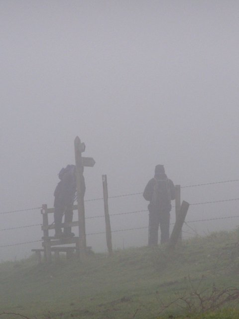 Walkers in the mist, Giant Hill