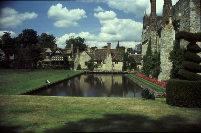 Hever Castle Water Feature