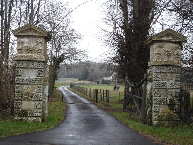 Gates of White Kennels