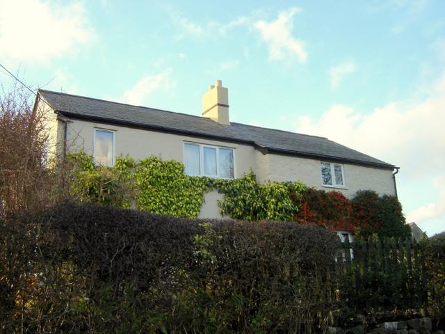 House on Ffordd y Fron, Nercwys
