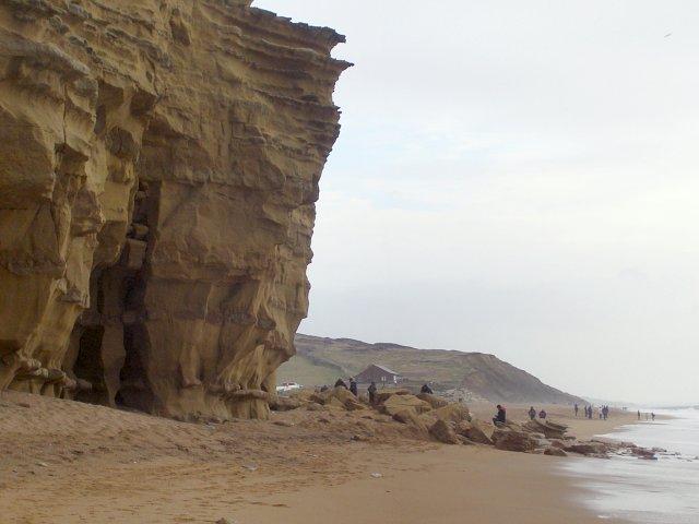 Overhanging sandstone cliff, Burton Hive
