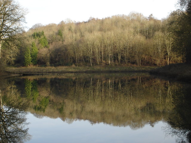 Lake in Ozleworth Bottom