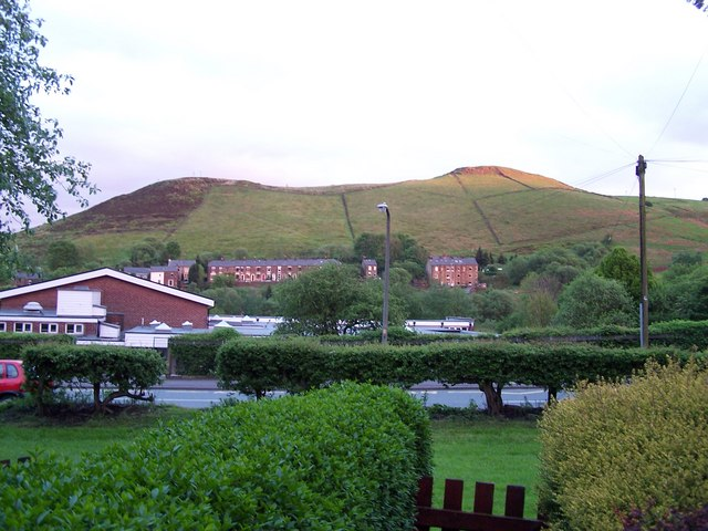 Delph Primary School & Knot Hill