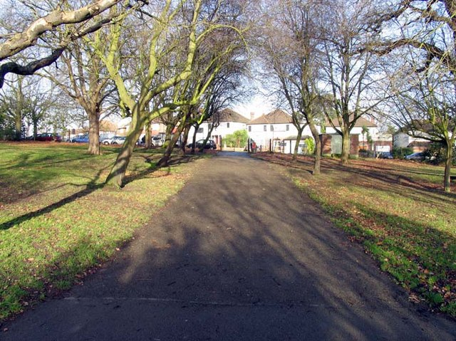 Oakwood Park towards Prince George Avenue, London N14