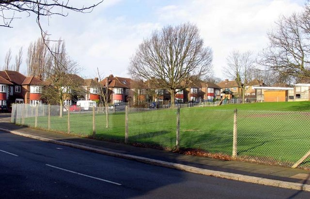 Oakwood Crescent, London N21