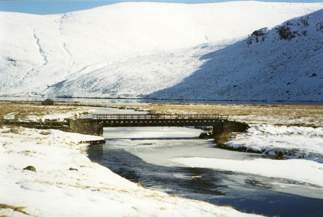 The bridge over River Lee to Inchgrundle