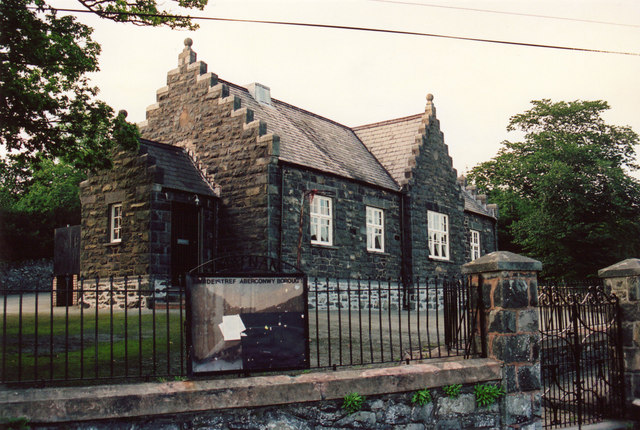 Maenan School
