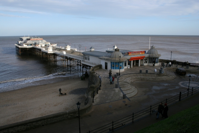 Cromer pier from the east