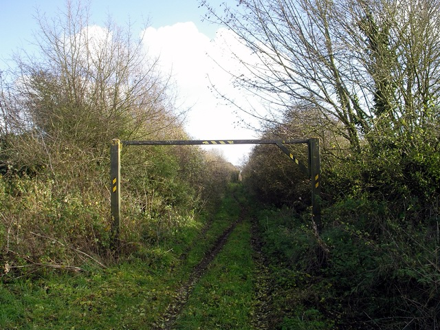 Track between Crawley road and the A272