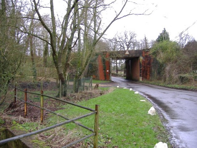 Rail bridge at Lower Moor