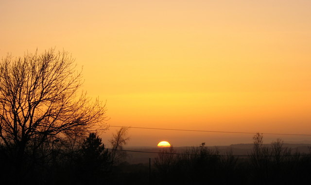 Machlud Ebrillaidd / An April sunset over Ty Mawr Golf Course
