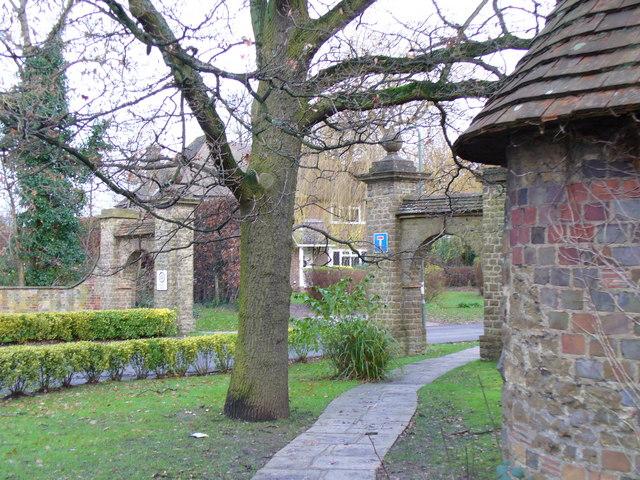 Ganghill, Ornamental Entrance Arches