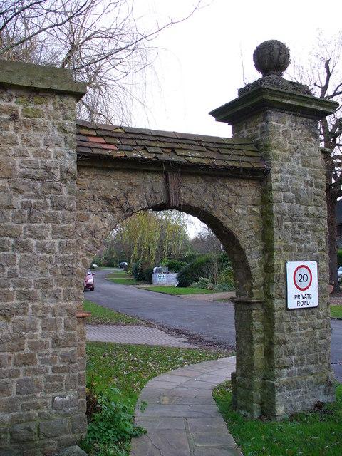 Archway into Ganghill