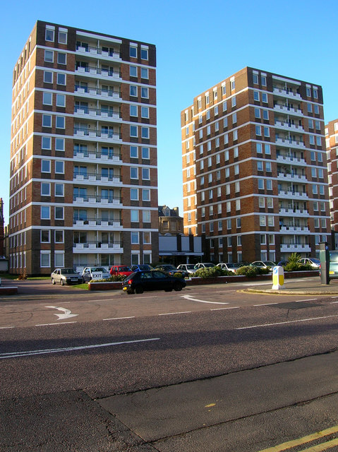 Ashley Court, Grand Avenue