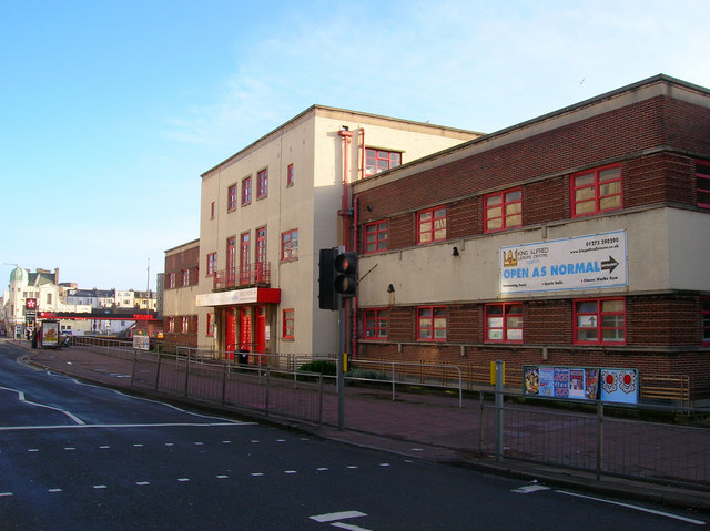 King Alfred Leisure Centre Simon Carey Geograph Britain And Ireland