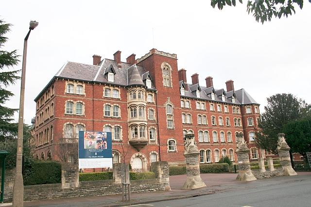 Malvern St. James College
