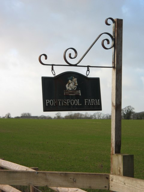 Entrance to Pontispool Farm, Somerset