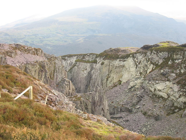 The western edge of Cefn Du Quarry