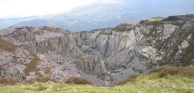 Looking down from the top edge of Cefn Du Quarry