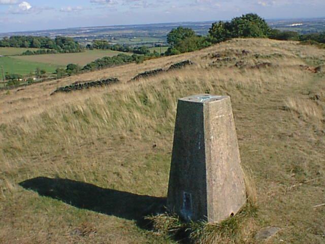 Triangulation Pillar near Highoredish