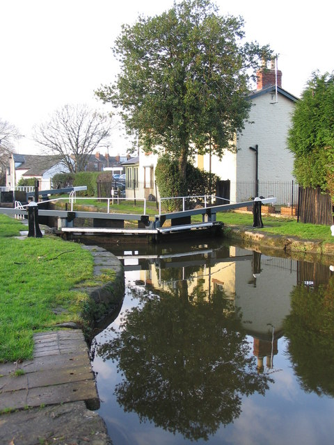 Reflections at Tarvin Lock