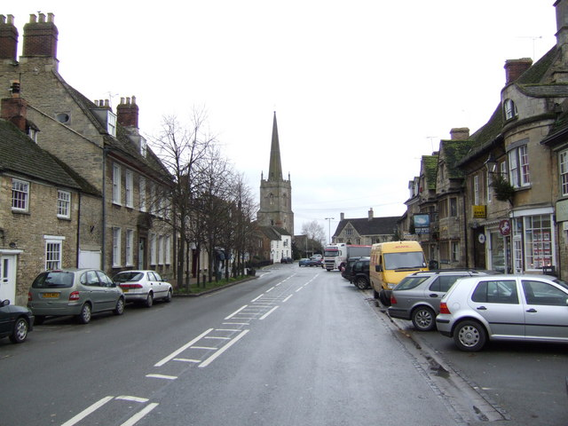 Lechlade town centre