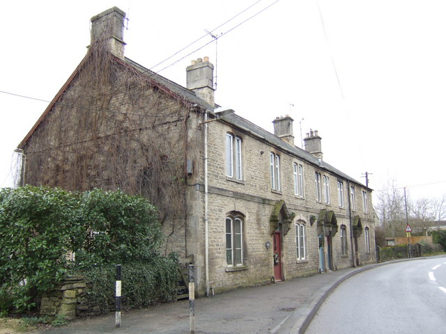 Row of cottages on London Road, Fairford