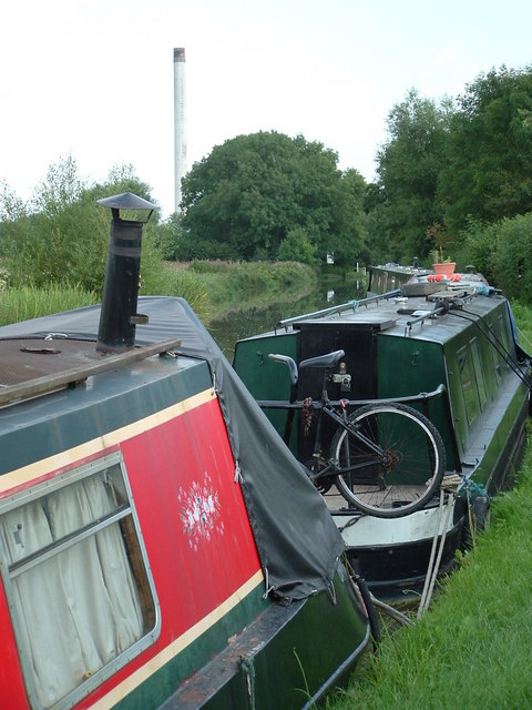 "On canal towpath, heading south, facing ""Smokey Joe"""