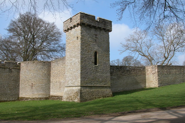 Curtain Wall Medieval Times : Curtain wall croft castle c philip halling geograph