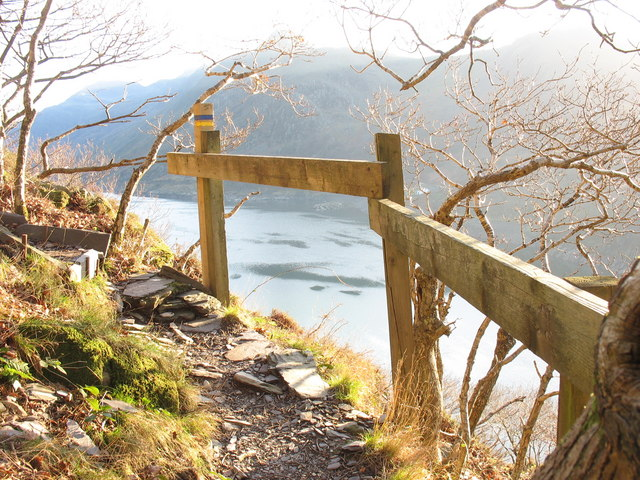A cliffhanger on the Zig-Zag diversion path
