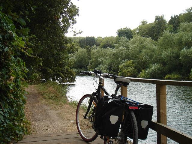 Thames Pathway at the Goring Gap