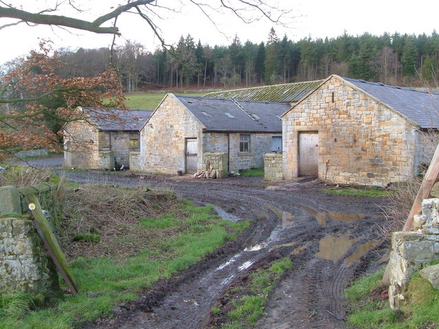 Farm buildings at Cragend
