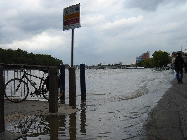 Thames pathway, water still rising