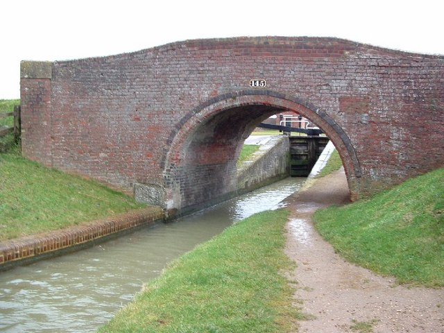 Claydon, Oxford Canal, Bridge 145