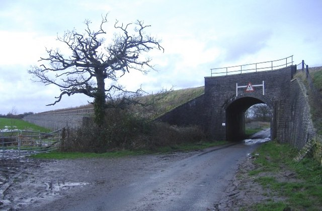 Railway bridge near Wait hill farm