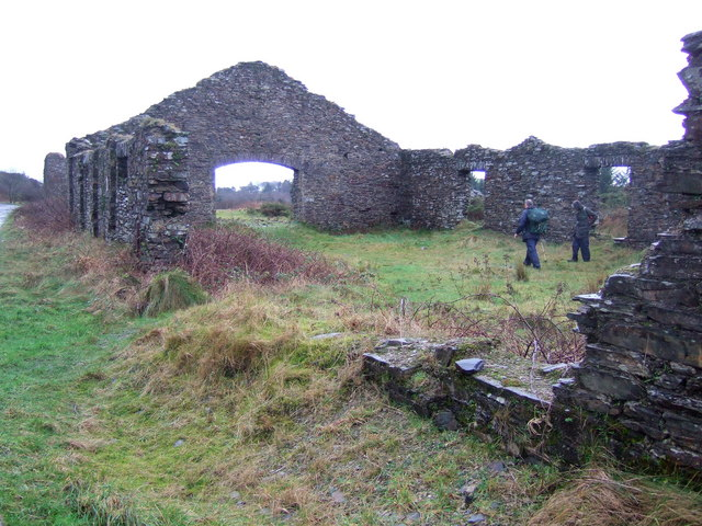 Derelict quarry building, Rosebush