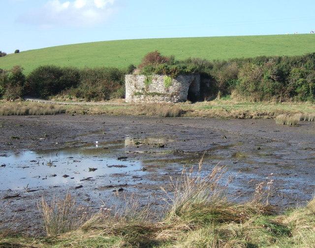 Lime kiln on the estuary, Trefdraeth/Newport
