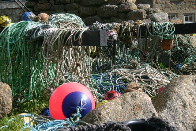 Jumble of ropes