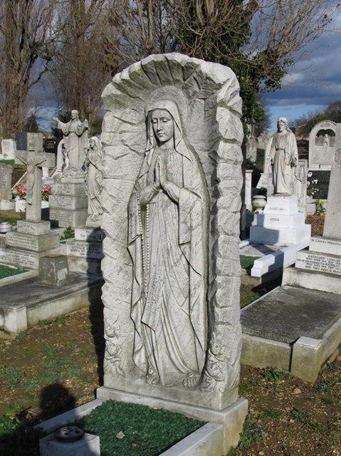 St Patrick's Cemetery, Langthorne Road, Leytonstone, London E11
