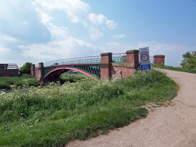 Approach to Hibaldstow Bridge
