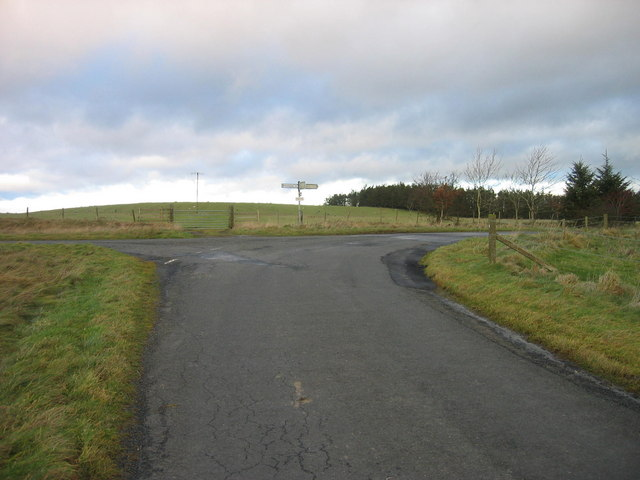 Road junction near Middle Cowden