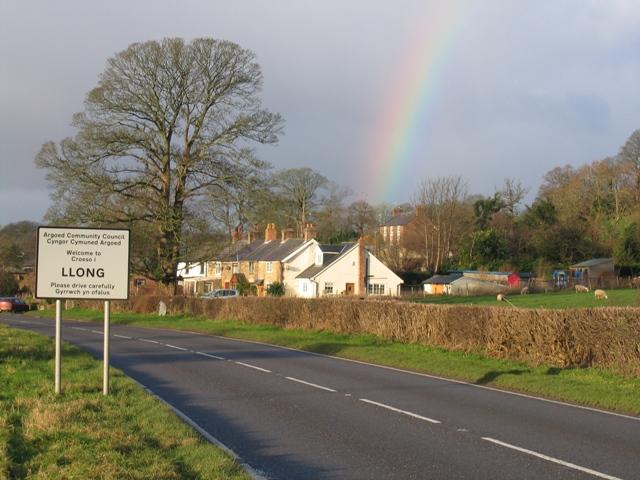 A Short Rainbow at Llong