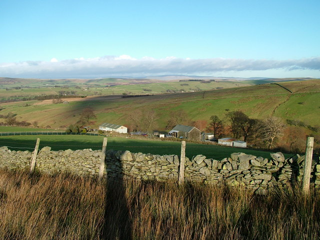 Low Shaw farm from Peatmire Hill