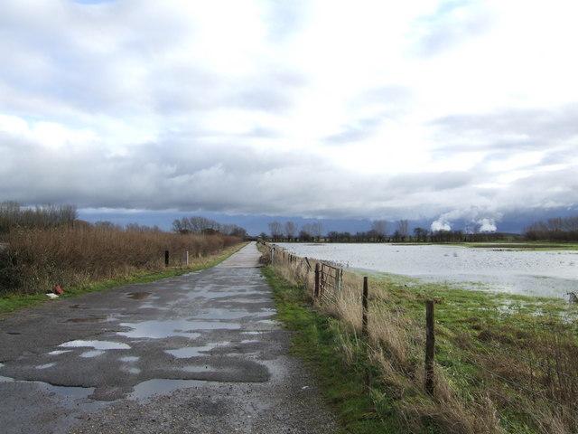 East along Landmead Lane