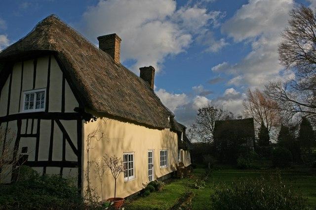 Thatched cottage in Wennington