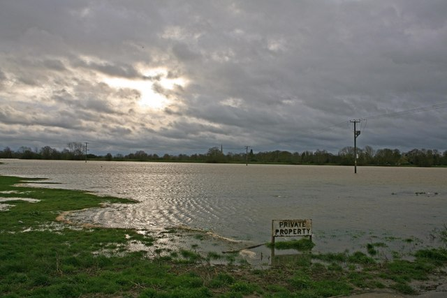 River Ouse in flood at Houghton across flood plain NT