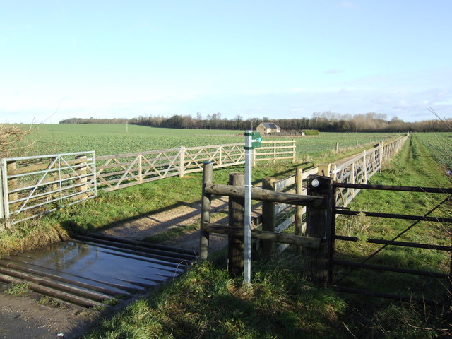 Bridleway and track to Broadmoor Cottage