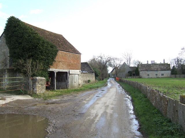 Lane down to Kelmscott Manor